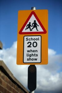 speedlimitsoutsideschools
